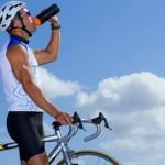 Beber-agua-en-el-deporte