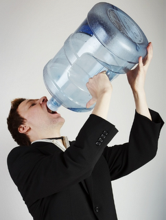 consumo-exceso-de-agua-7litros