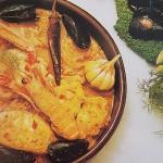 cazuela de pescado mediterránea